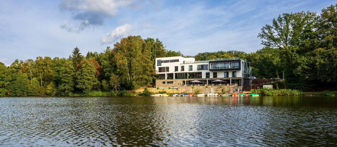 Wellness Spa Hotel Saarland mit Seeblick