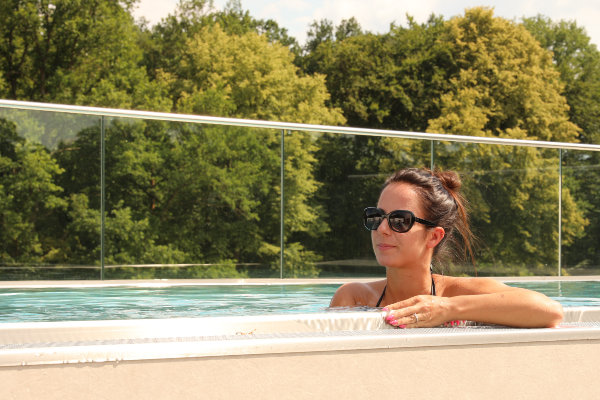 Wellness Urlaub Saarland - Infinity Pool